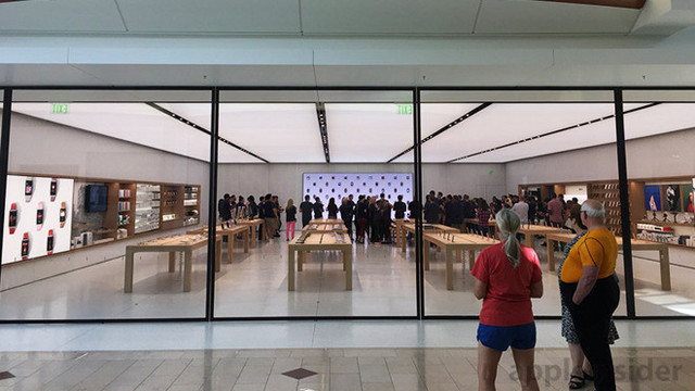 Apple Annapolis Reopens as a Next-Generation Store